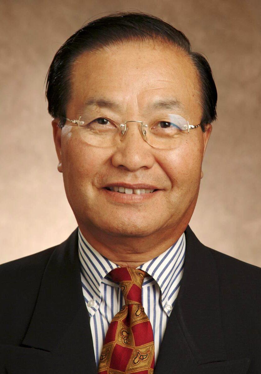 headshot of Dr. Young-Ho Chun